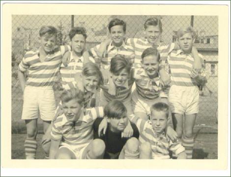 schuelermannschaft-kickers-1900-1954_470